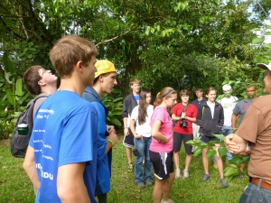Bethel College students at Finca Cantaros.