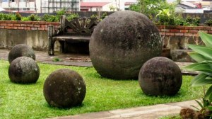 Photo of stone spheres from website: www.templeilluminatus.com.