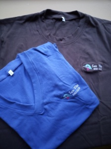 SVBC camisas nuevas; tomanos de hombres cafe y mujeres azul